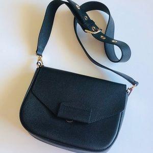 INNUE Leather Crossbody Bag